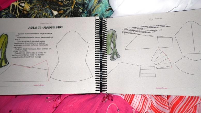 Livro MODELAGEM FEMININO ADULTO por Antonia Ferreira - Modelagem industrial e sob medida.